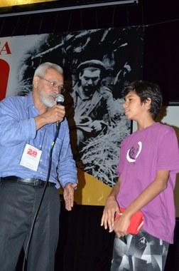 Neto de Taiguara recebe comenda em nome do avô