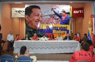 Ato em homenagem a Hugo Chávez e em apoio a Nicolás Maduro no RJ!