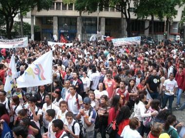 Educação e Bombeiros na luta contra as políticas neoliberais