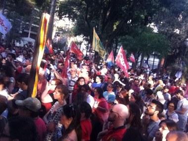 Esquerda unida em torno de Dilma sai às ruas em São Paulo