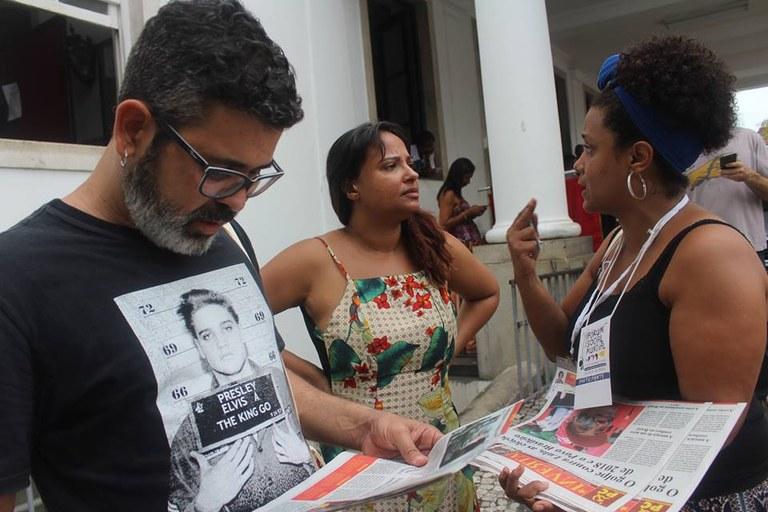 Divulgação do Jornal INVERTA no Forum