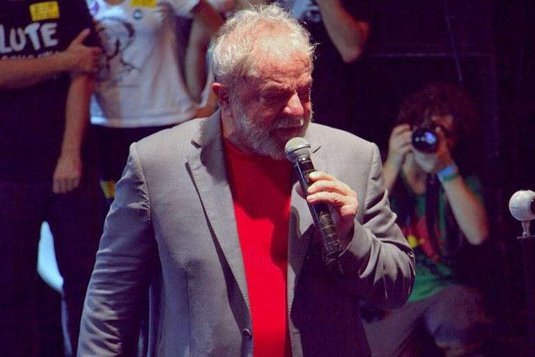 Lula defende a democracia para todos