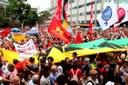 Manifestação contra o golpe e o impeachment lota o Largo da Carioca-RJ