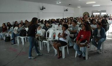 Trabalhadores da educação ocupam prefeitura de Nova Iguaçu!