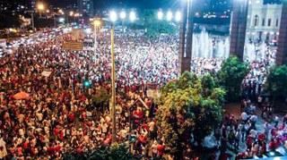 Povo de Minas Gerais se une e sai às ruas contra o golpe