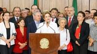 Presidenta Dilma Rousseff fala ao povo brasileiro.