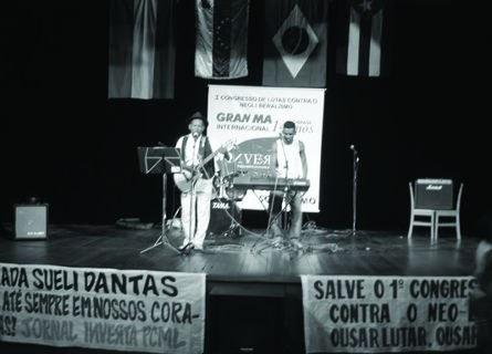 O grupo Sudeste Show encerrou o evento com forró e homenagem à Camarada Sueli Dantas