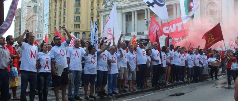 O povo unido barrará o golpe