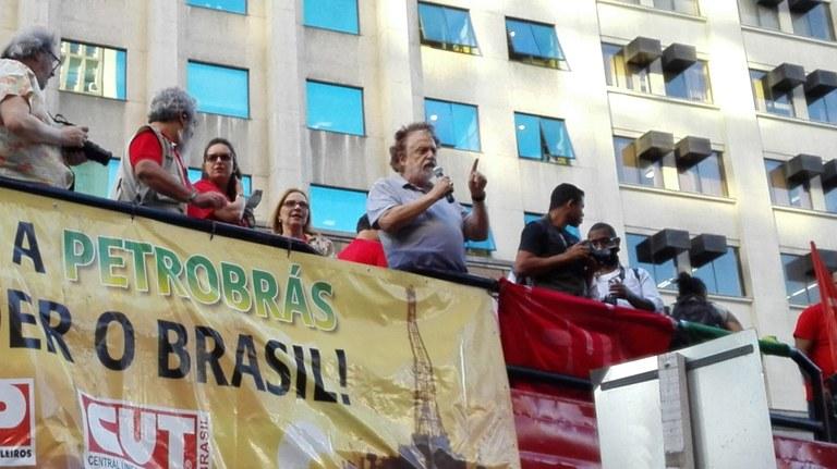 Professor Theotonio dos Santos: movimentos sociais devem pautar sociedade