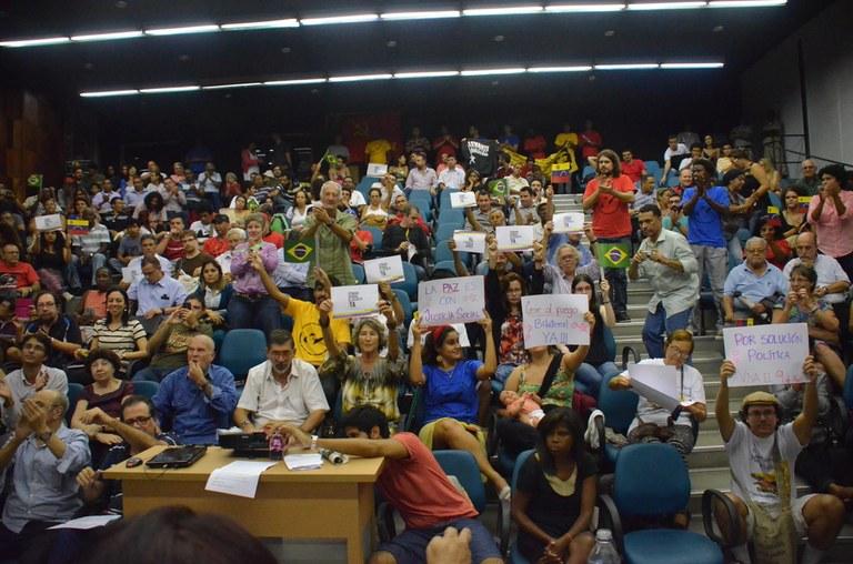 Plenário reafirma compromisso com defesa da Revolução Bolivariana