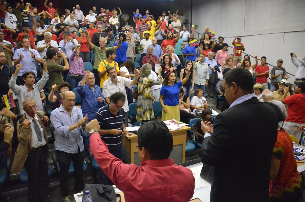 Viva Bolívar, Chávez e Maduro!