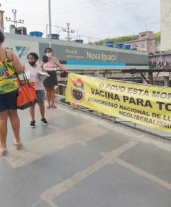Integrantes do Comitê do CNCN-RJ vão até o Povo em Nova Iguaçu e interagem sobre a necessidade da vacina! O Povo está Morrendo! Vacina para todos já!