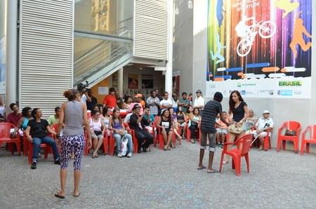 Peça de Teatro durante almoço cultural