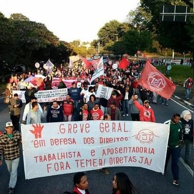 MTST e MST paralisam as principais ruas da cidade - Guarulhos-SP