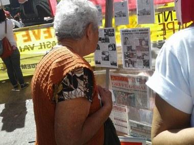 Belo Horizonte, manifestação da Greve Geral, barraquinha do comitê pela anulação do impeachment