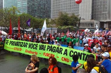 492 - p2 - Lula encerra ato pela soberania no RJ