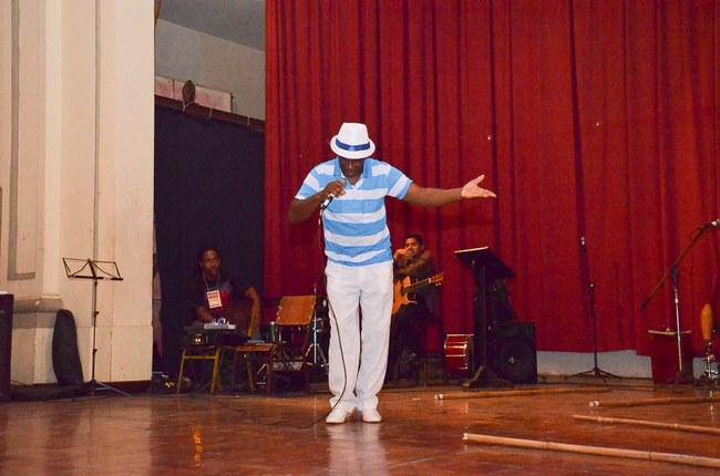 Samba com o cantor Valcir Ferreira
