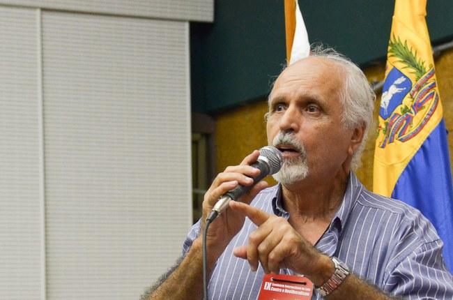 Professor Lincoln de Abreu Penna, titular da UFRJ e presidente do MODECON