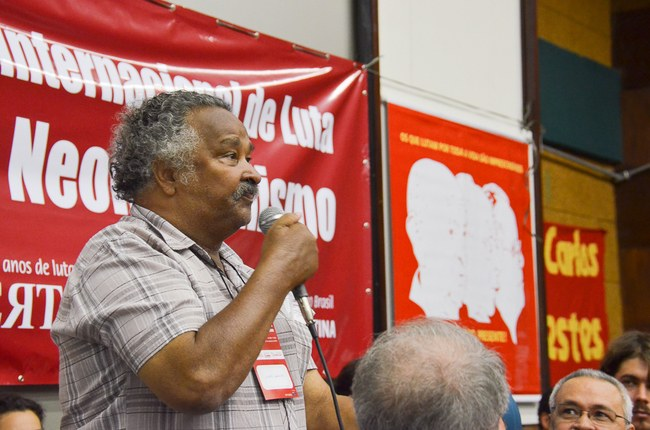 Vicentão, representando os presos políticos e anistiados da Ditadura Militar