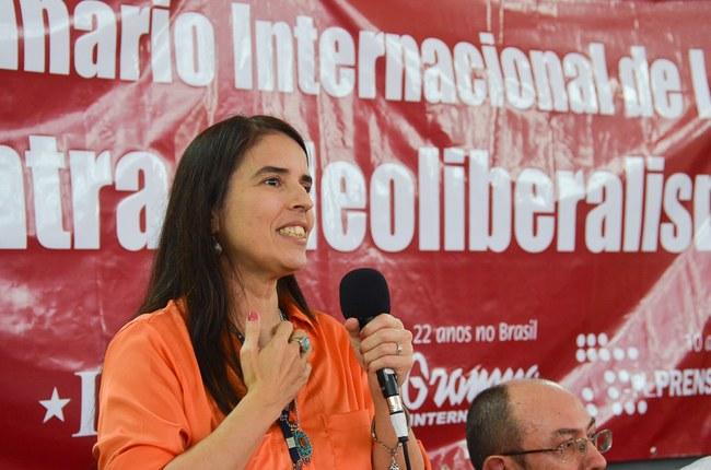 Professora Sandra Santos defende educação pública