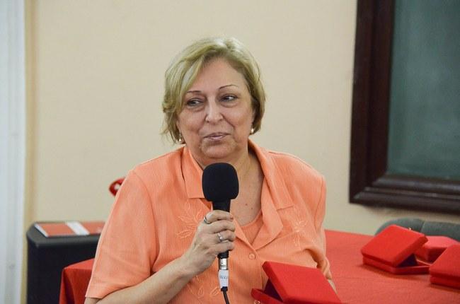 Cônsul de Cuba Nélida Hernández Carmona recebe homenagens em nome de Cuba