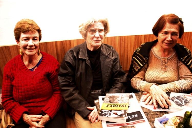 As Profª Otília, Nancy Rocha e Margarida Meressi (Núcleo da Casa das Américas de Nova Friburgo/RJ)