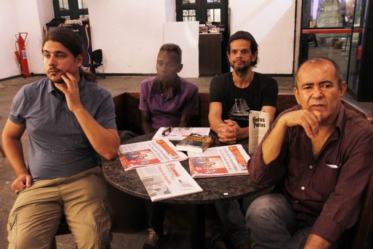 O historiador Rafael Rocha, o desenhista Ireno (Inverta Cooperativa), o diagramador do jornal Inverta Jerônimo Miguel e o músico Vicentinho (PCML)