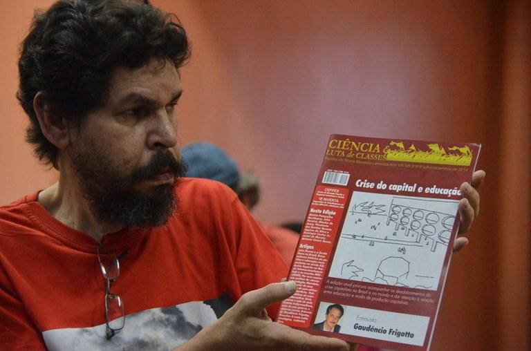 Haroldo de Moura apresenta nova edição da Revista Ciência e Luta de Classes