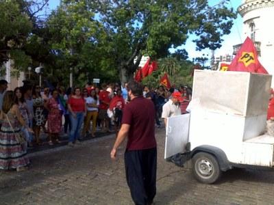 PCML presente em ato pela democracia em Pelotas