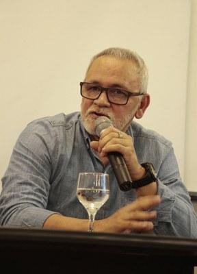 Prof. Dr. Aluisio Bevilaqua, autor do livro