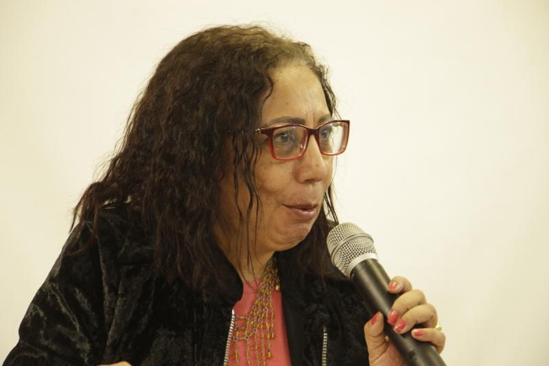 Profª Drª Antonia Vitoria Aranha coordena a mesa de abertura do evento