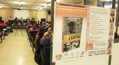 """Seminário e lançamento de """"A Crise Orgânica do Capital: o valor, a ciência e a educação"""" na UFMG"""