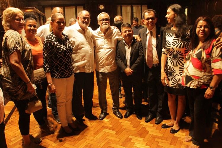 Jornal Inverta e representantes Internacionais