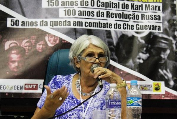 Profª Lená Medeiros de Menezes