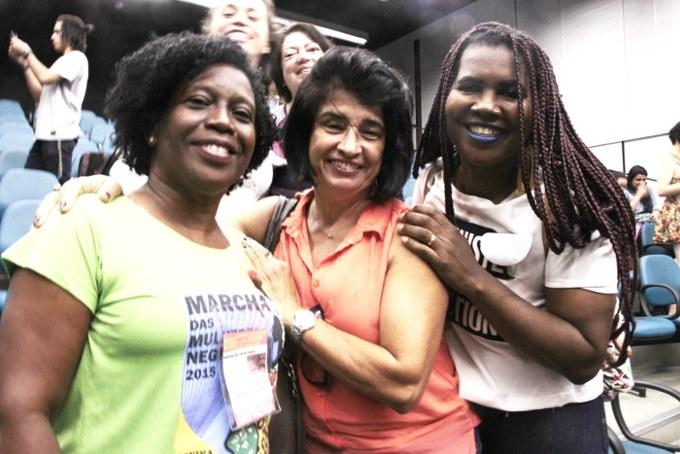 Em defesa do Inverta e do Povo Brasileiro, as assistentes sociais Marluce Lopes, Analice Lopes e Ana Leone