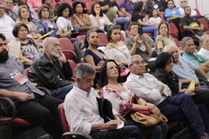 Por um jornalismo em defesa do Povo lartino-americano, Inverta, Granma e Prensa Latina!